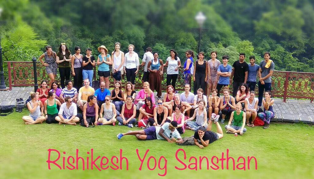 100 hour yoga teacher training Course in rishikesh, India