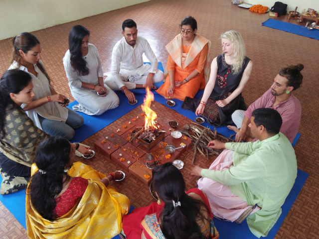 Advance Yoga Retreat In Rishikesh
