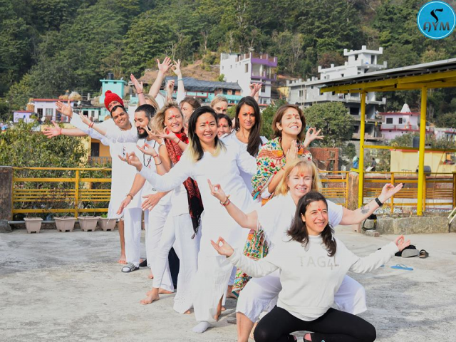 300-hr yoga ttc in Rishikesh, India