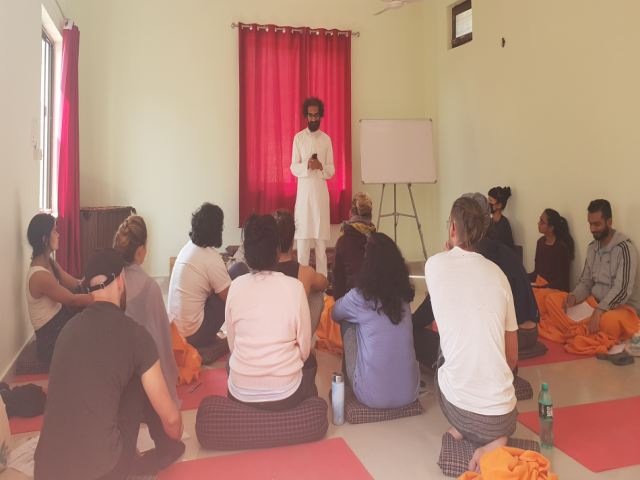 300 Hr Yoga Teacher Training in Rishikesh