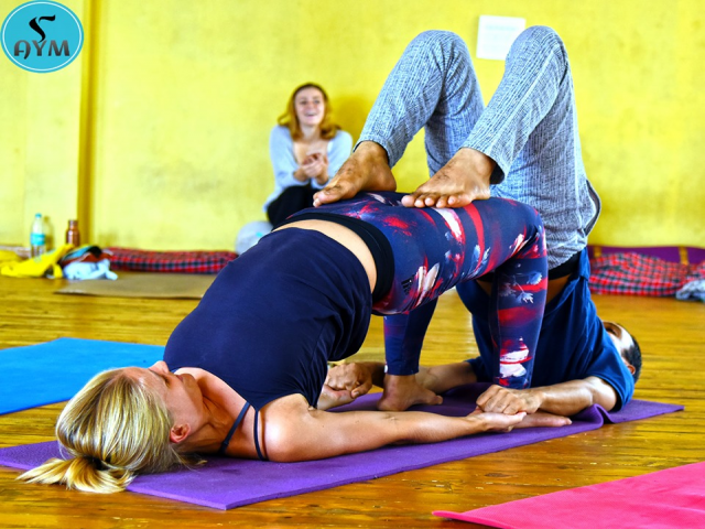 100 hour yoga Course in Rishikesh, India