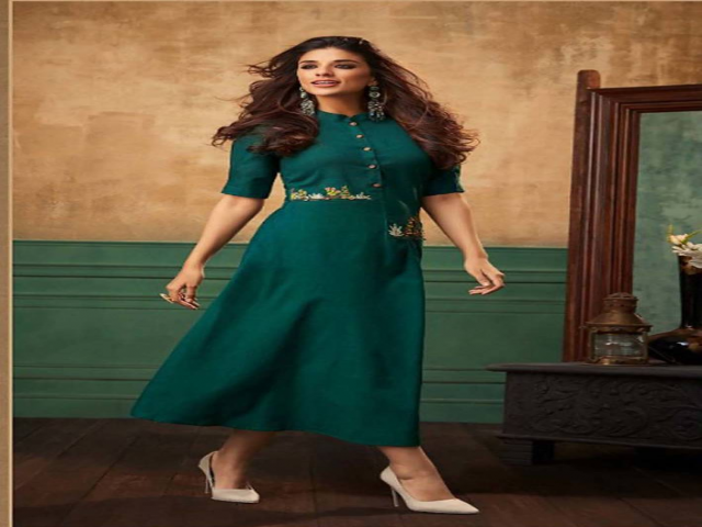 Best Offer on Party Wear Kurtis At Mirraw Online