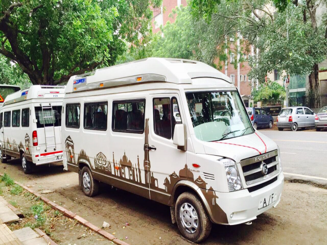 Tempo Traveller In Jaipur
