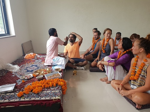 500 Hour Yoga Teacher Training in Rishikesh India by Tapovan Yogapeeth