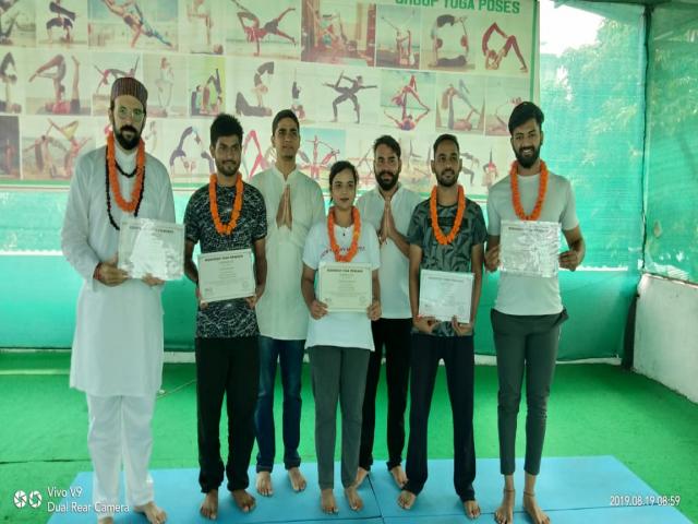 100 Hour Yoga TTC in Rishikesh Uttarakhand