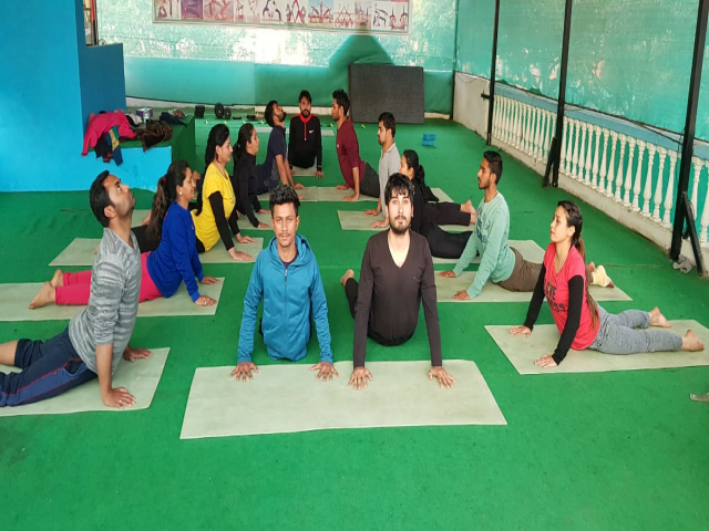 100 Hour Yoga Teacher Training Course in Rishikesh