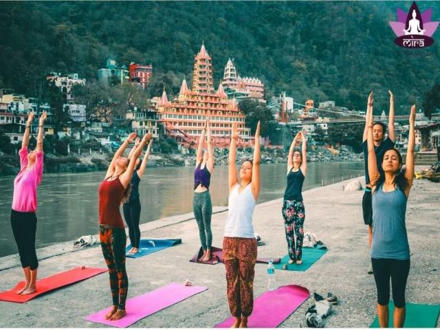 200 hour Residential Yoga Teacher Training in Rishikesh, India