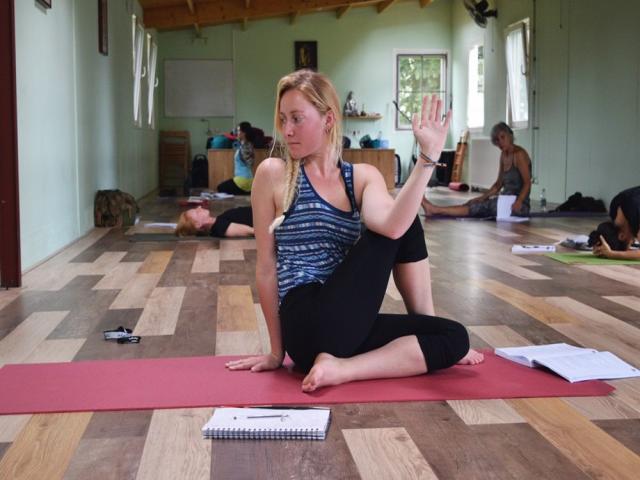 Nehmen Sie an einer 200 stundigen Hatha Yogalehrer Ausbildung teil